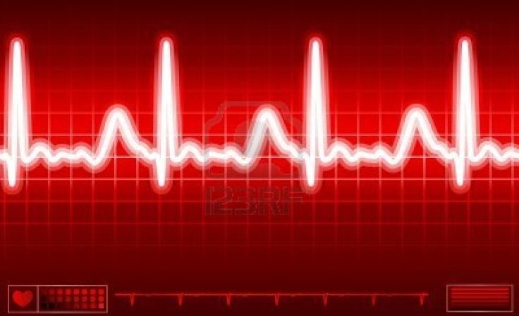 6267746-heart-monitor-screen